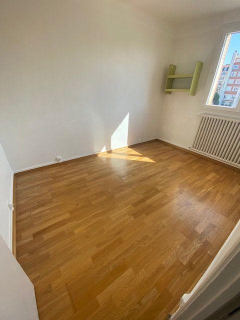Appartement à louer 3 54m2 à Aubervilliers vignette-4