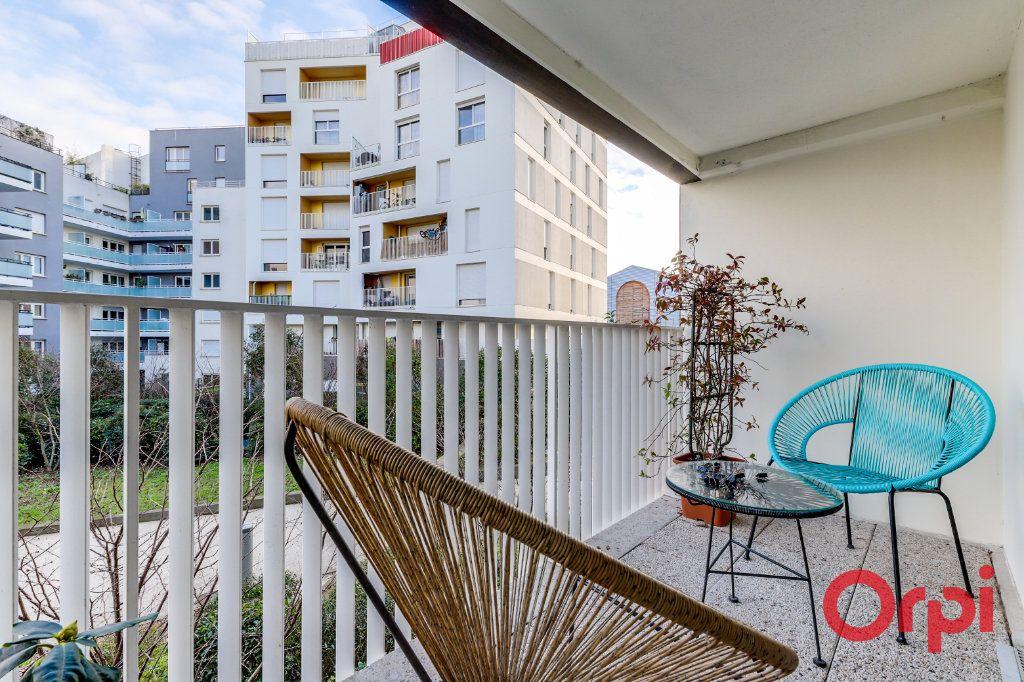 Appartement à vendre 3 63.81m2 à Aubervilliers vignette-2