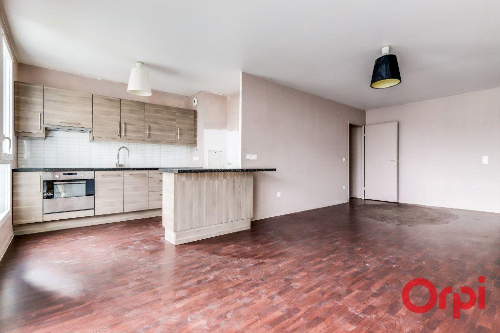 Appartement à vendre 4 90.87m2 à Saint-Denis vignette-2