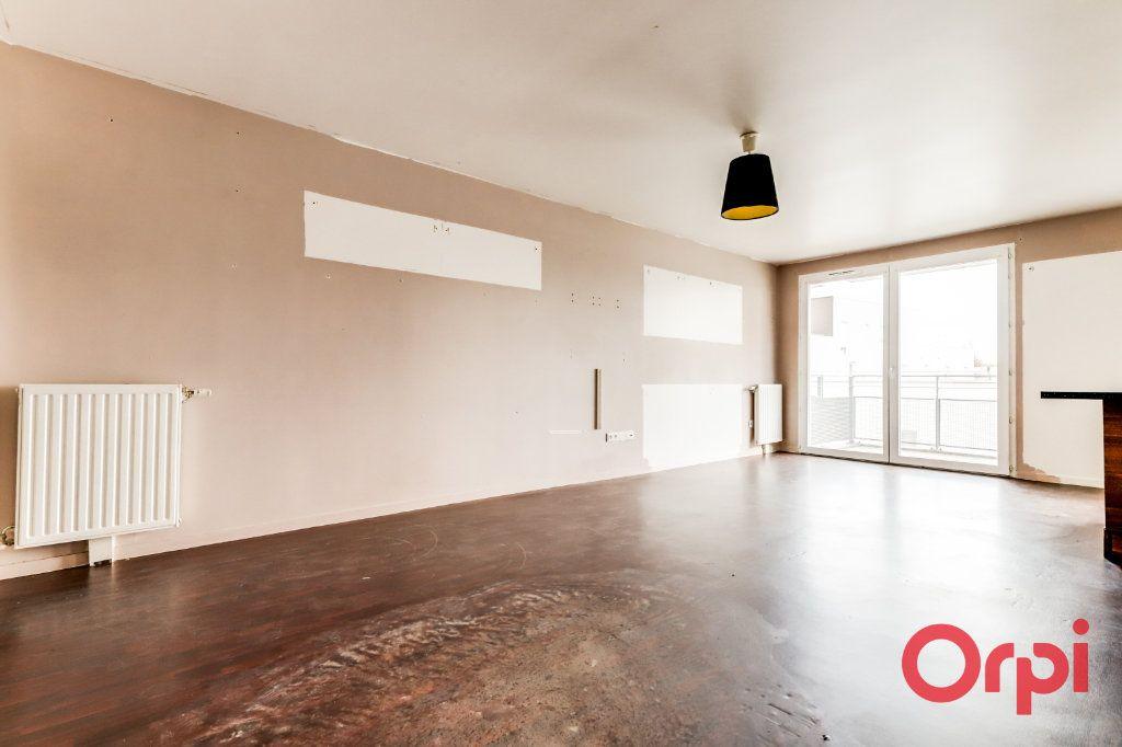 Appartement à vendre 4 90.87m2 à Saint-Denis vignette-3