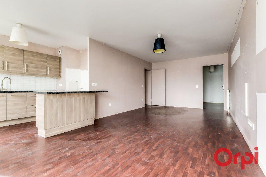 Appartement à vendre 4 90.87m2 à Saint-Denis vignette-4