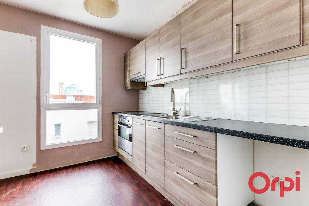 Appartement à vendre 4 90.87m2 à Saint-Denis vignette-6