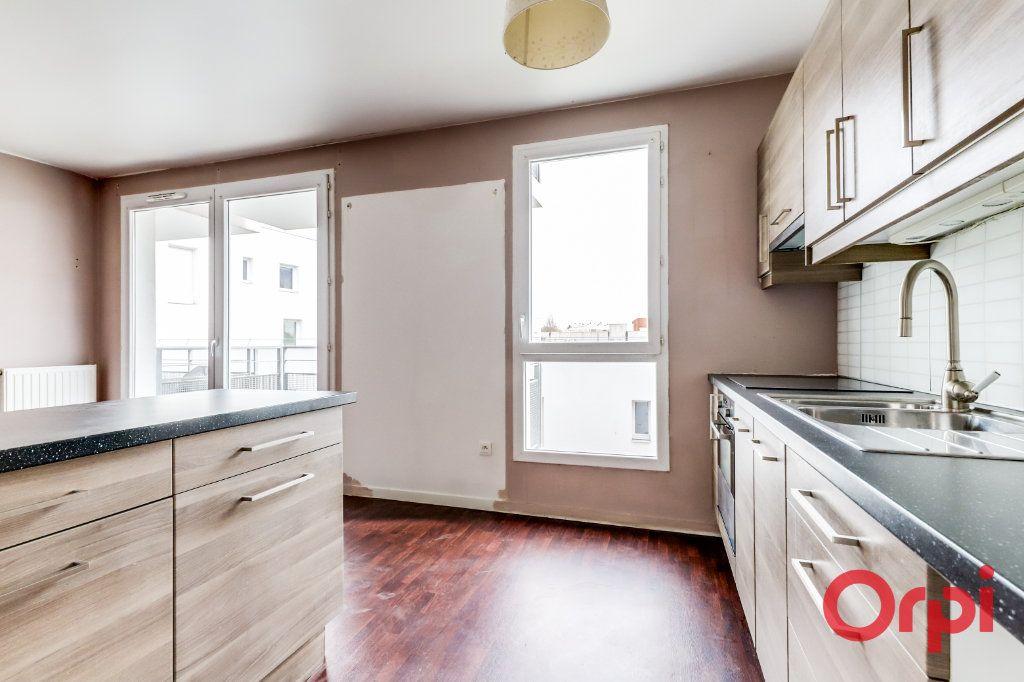 Appartement à vendre 4 90.87m2 à Saint-Denis vignette-7