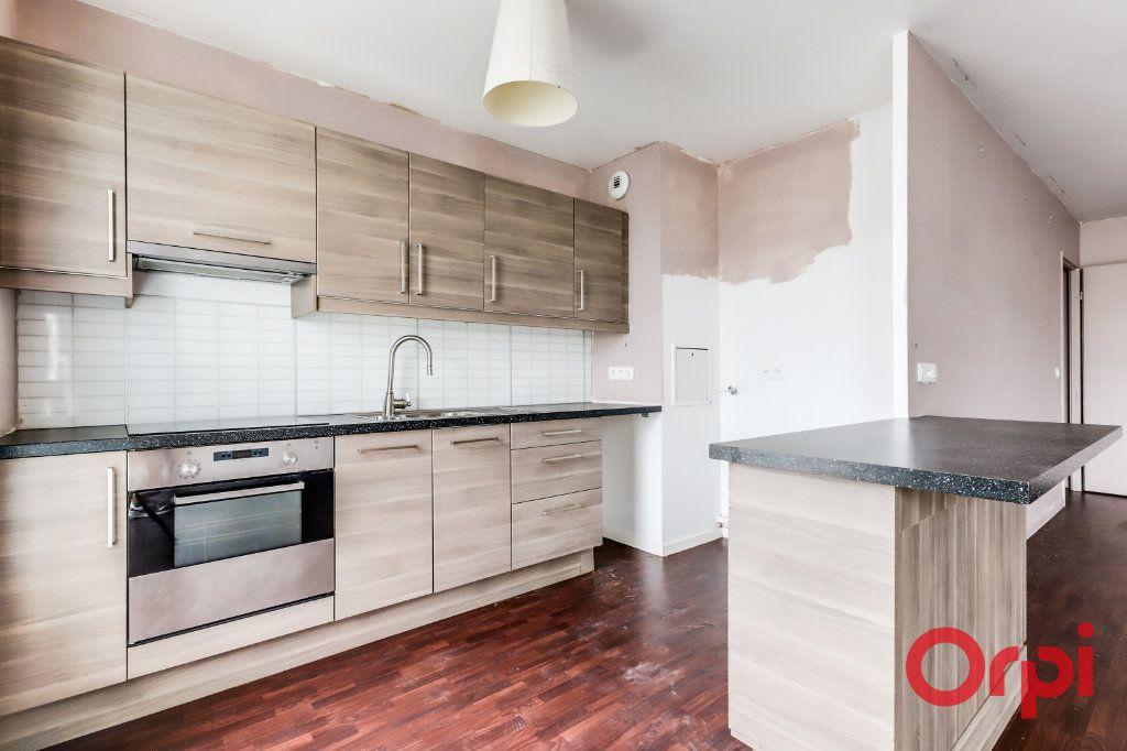 Appartement à vendre 4 90.87m2 à Saint-Denis vignette-9