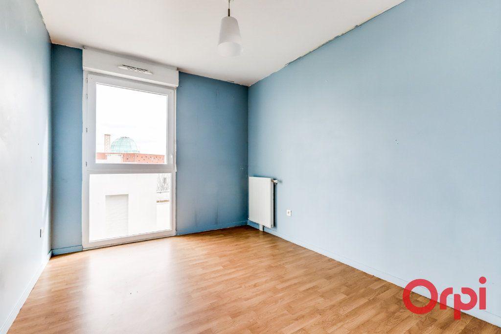 Appartement à vendre 4 90.87m2 à Saint-Denis vignette-10
