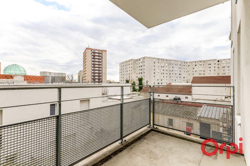 Appartement à vendre 4 90.87m2 à Saint-Denis vignette-17