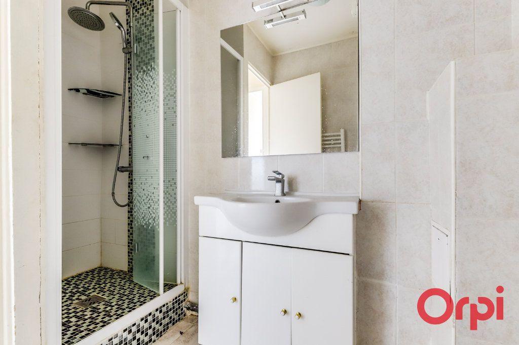 Appartement à vendre 4 65m2 à Aubervilliers vignette-4