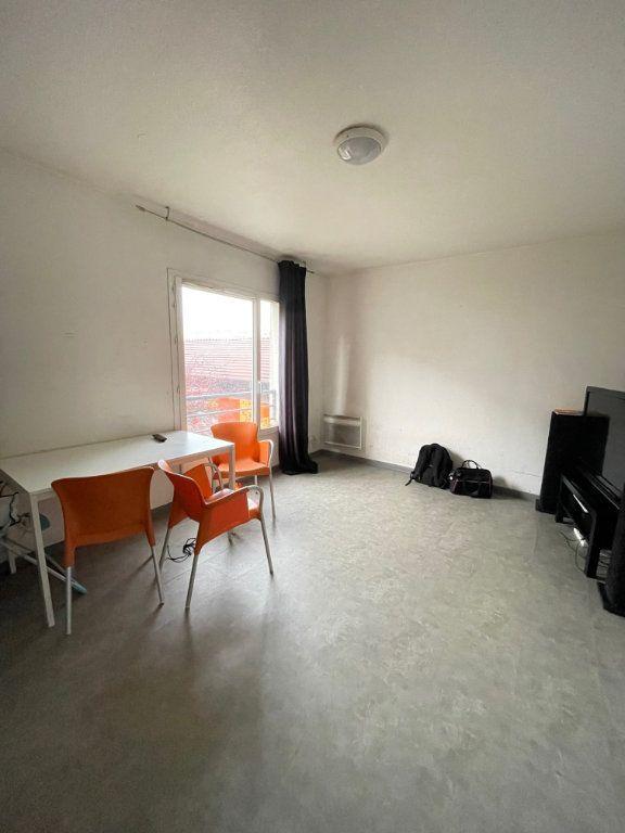 Appartement à vendre 2 42.95m2 à Saint-Denis vignette-4