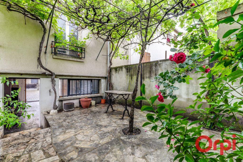 Maison à vendre 7 164m2 à Aubervilliers vignette-1