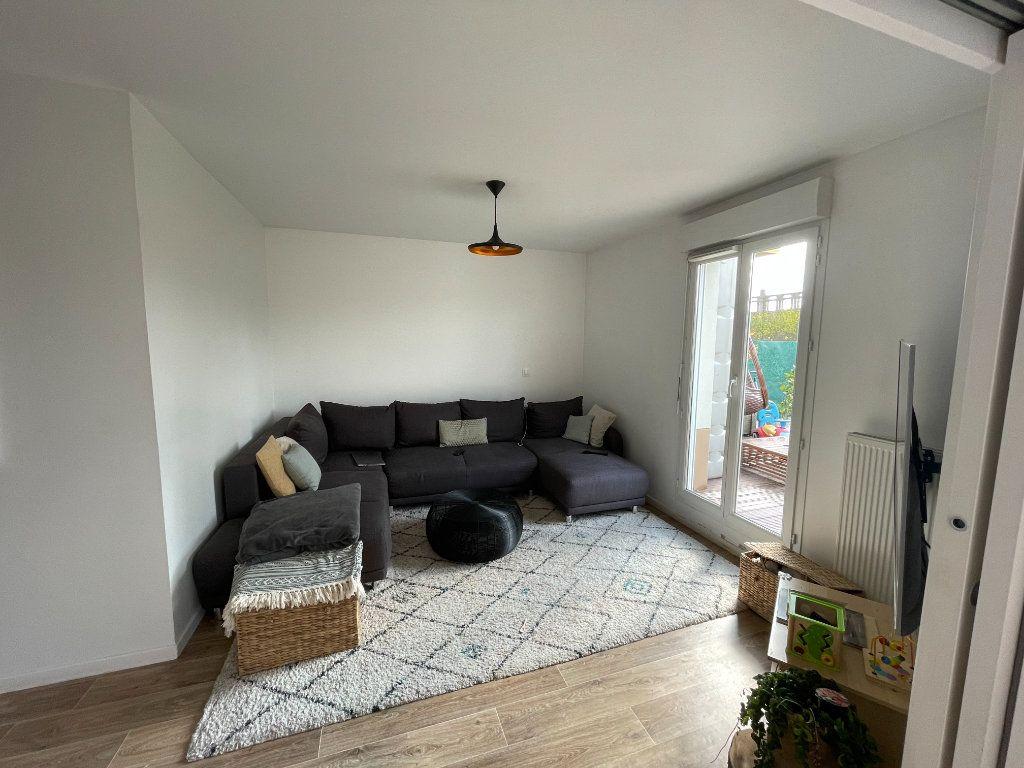 Appartement à vendre 4 90.45m2 à Saint-Denis vignette-3