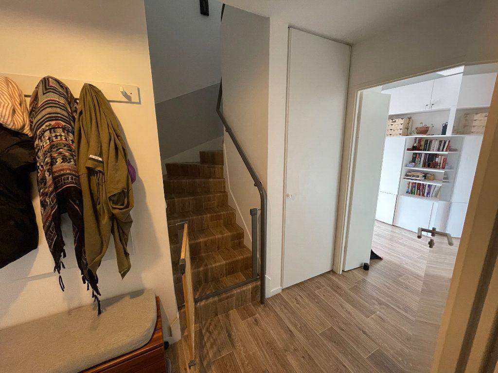 Appartement à vendre 4 90.45m2 à Saint-Denis vignette-7