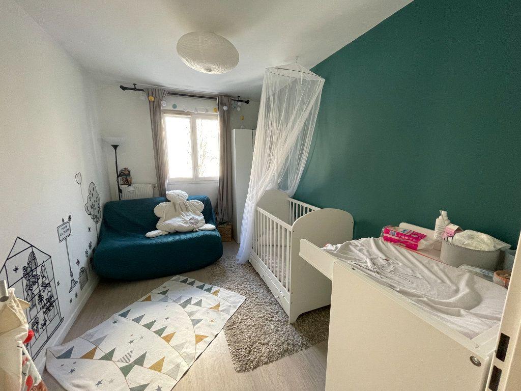 Appartement à vendre 4 90.45m2 à Saint-Denis vignette-9