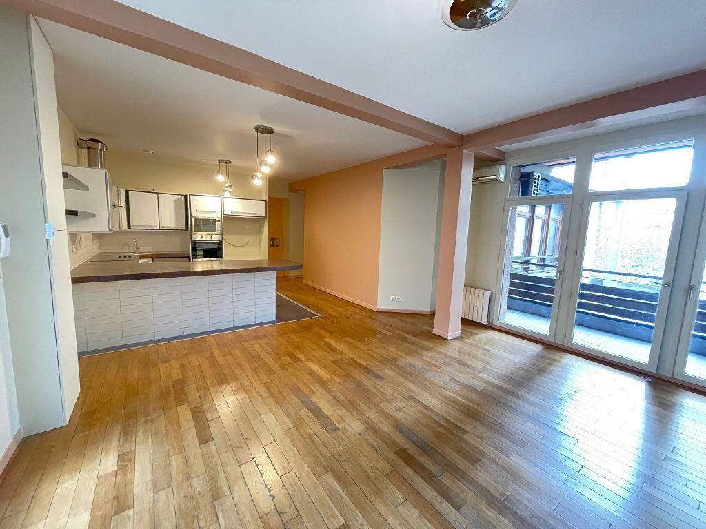 Appartement à vendre 4 92.86m2 à Saint-Denis vignette-1