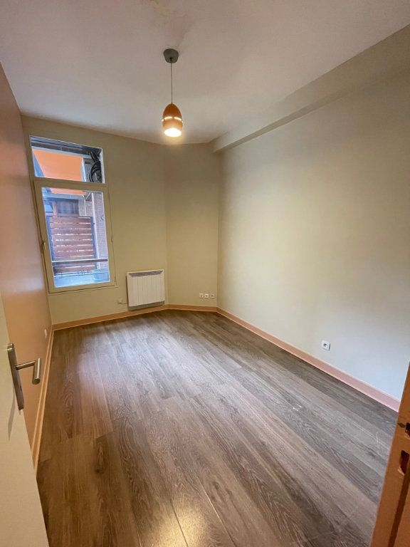 Appartement à vendre 4 92.86m2 à Saint-Denis vignette-3