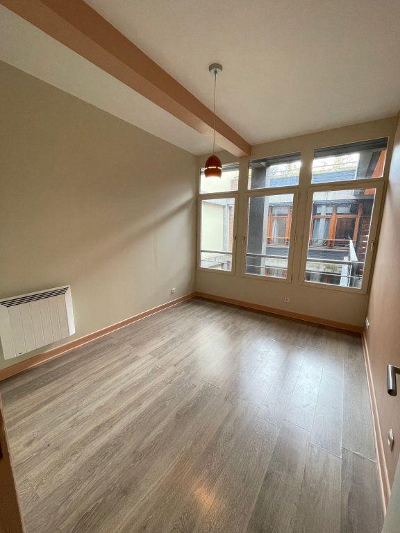 Appartement à vendre 4 92.86m2 à Saint-Denis vignette-4