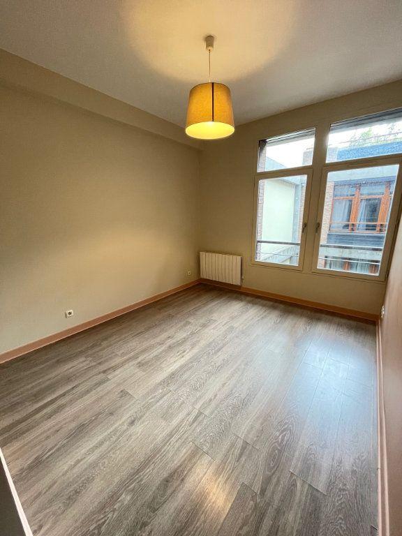 Appartement à vendre 4 92.86m2 à Saint-Denis vignette-5