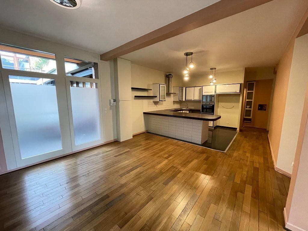 Appartement à vendre 4 92.86m2 à Saint-Denis vignette-9