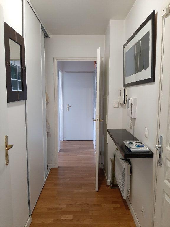 Appartement à louer 3 65m2 à Aubervilliers vignette-4