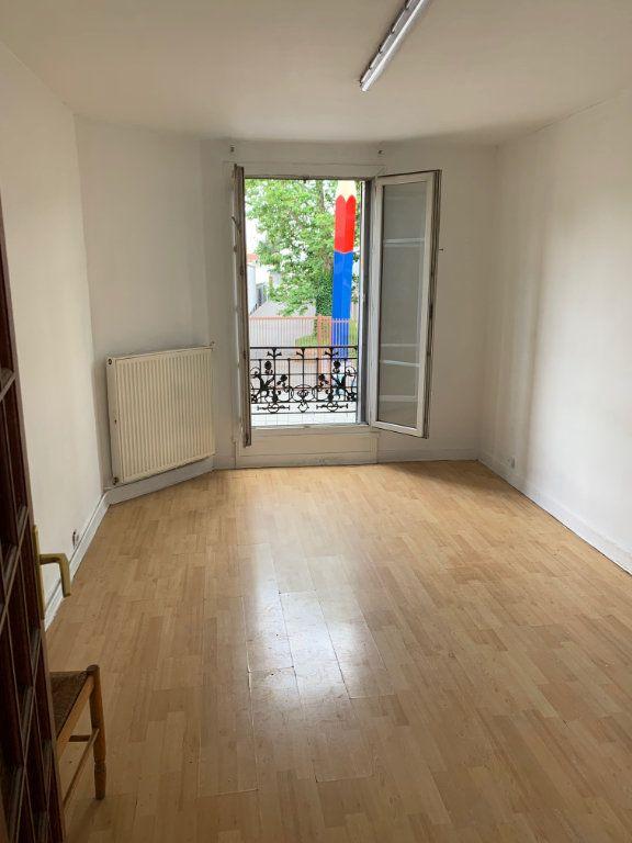 Appartement à vendre 3 50.01m2 à Aubervilliers vignette-1