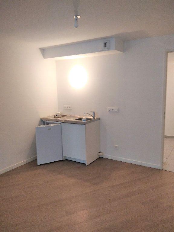 Appartement à louer 1 40m2 à Saint-Denis vignette-3
