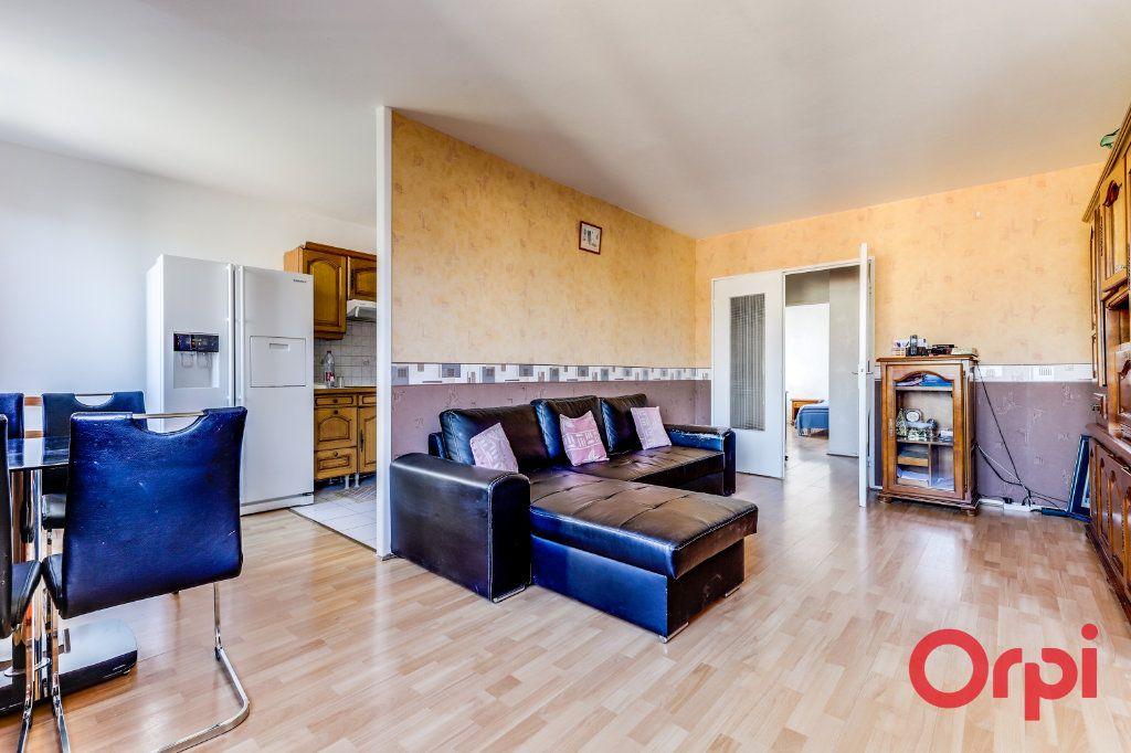 Appartement à louer 3 63m2 à Saint-Denis vignette-6