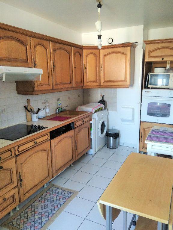 Appartement à louer 3 63m2 à Saint-Denis vignette-8