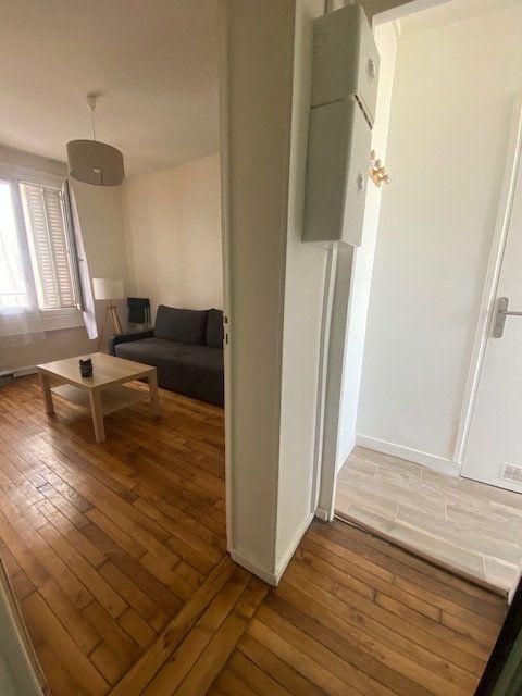 Appartement à louer 1 20m2 à Aubervilliers vignette-3