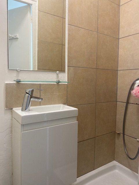 Appartement à louer 1 20m2 à Aubervilliers vignette-4