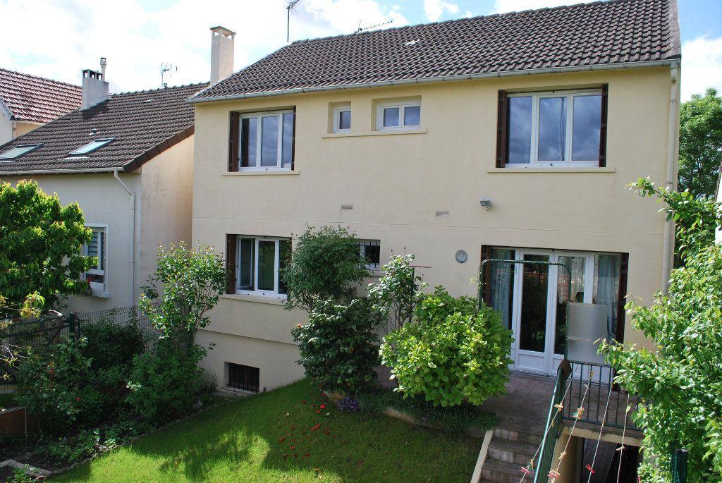 Maison à vendre 6 105m2 à Pierrefitte-sur-Seine vignette-1