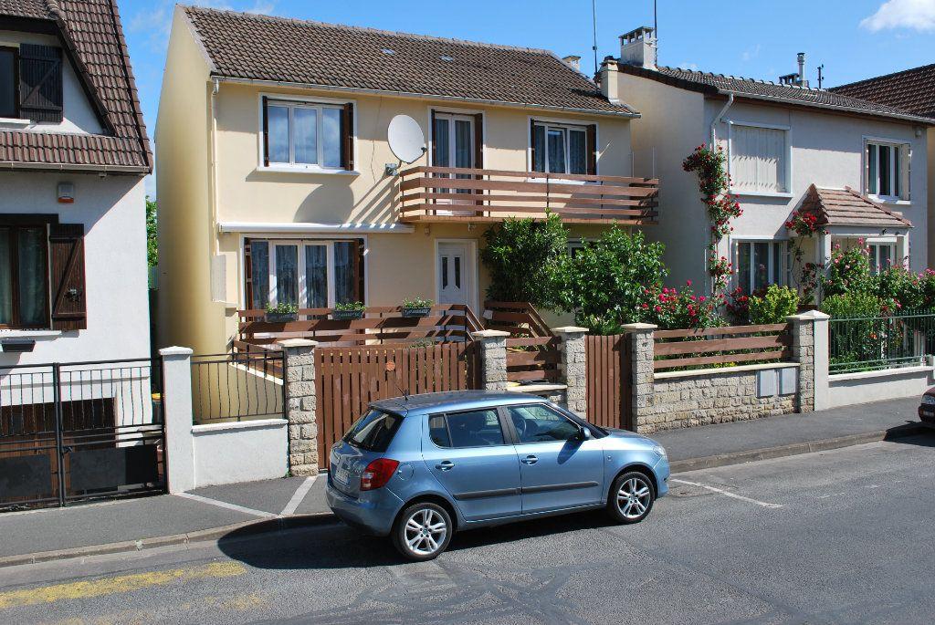 Maison à vendre 6 105m2 à Pierrefitte-sur-Seine vignette-11