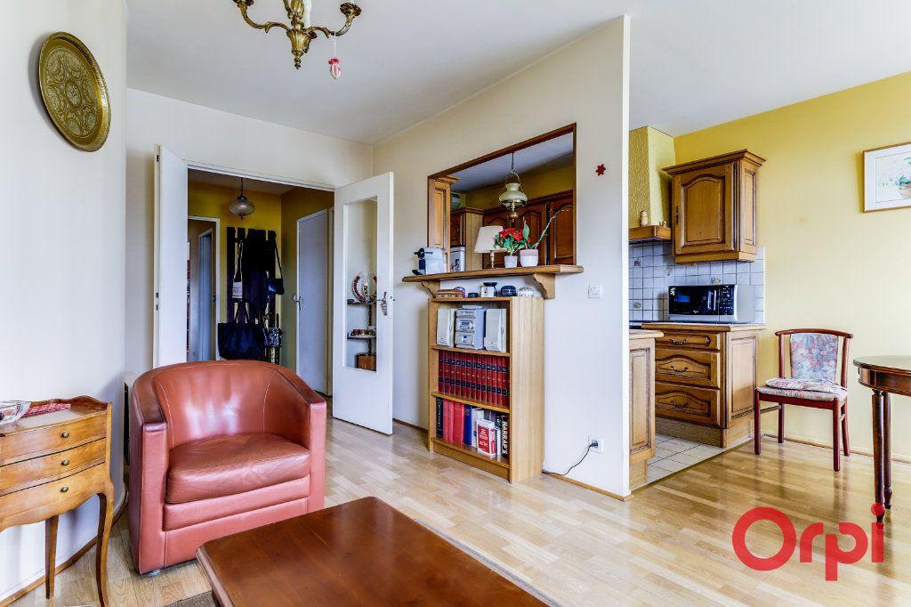 Appartement à vendre 4 78m2 à Saint-Denis vignette-1