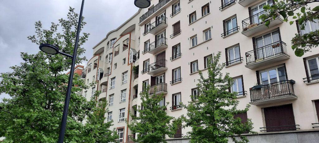 Appartement à vendre 4 78m2 à Saint-Denis vignette-3