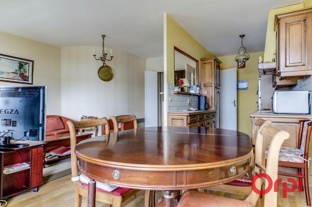 Appartement à vendre 4 78m2 à Saint-Denis vignette-9