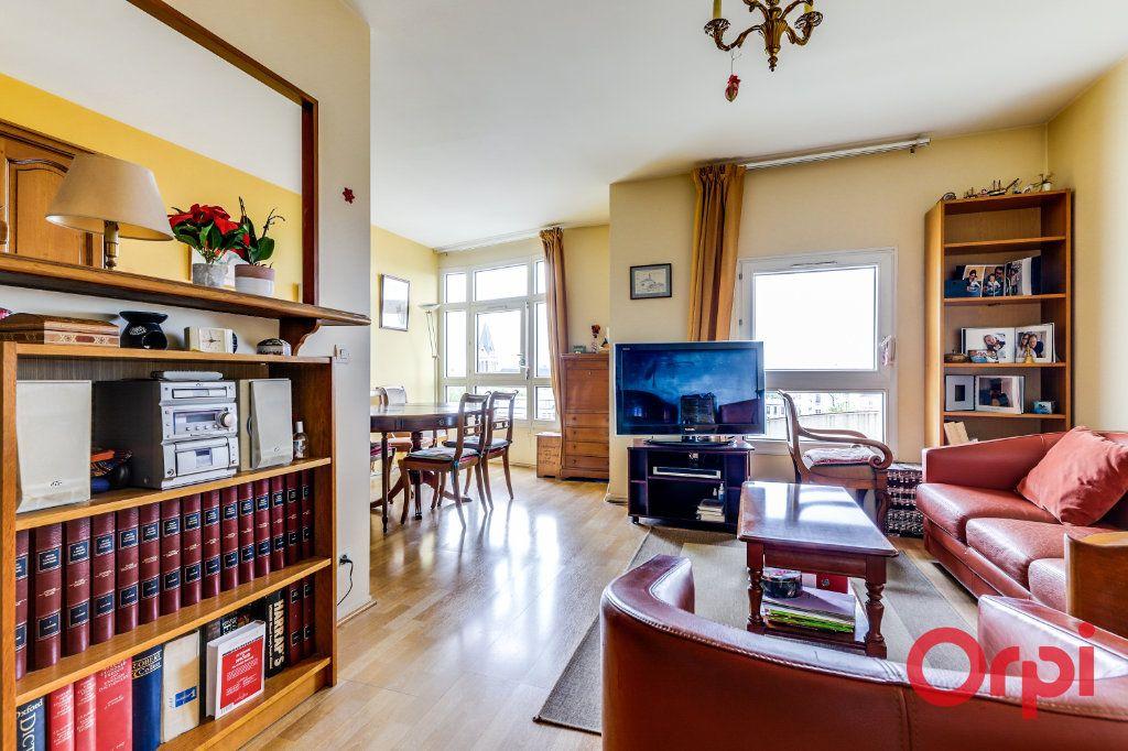 Appartement à vendre 4 78m2 à Saint-Denis vignette-11