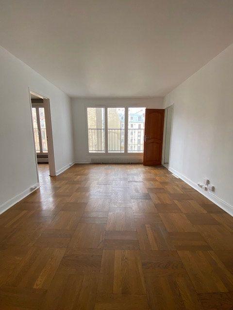 Appartement à louer 1 33.13m2 à Paris 18 vignette-1