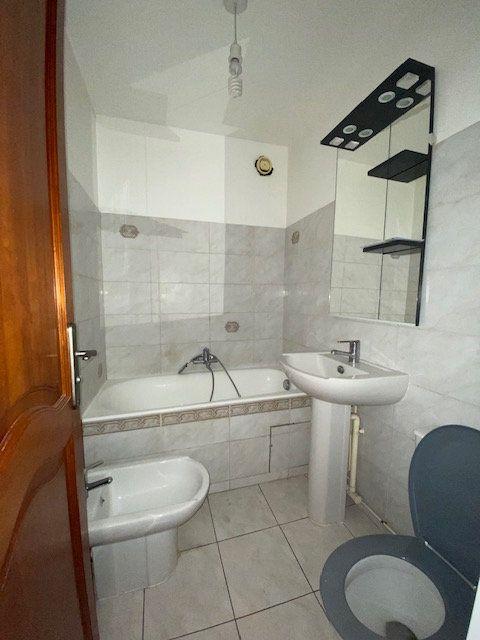 Appartement à louer 1 33.13m2 à Paris 18 vignette-3