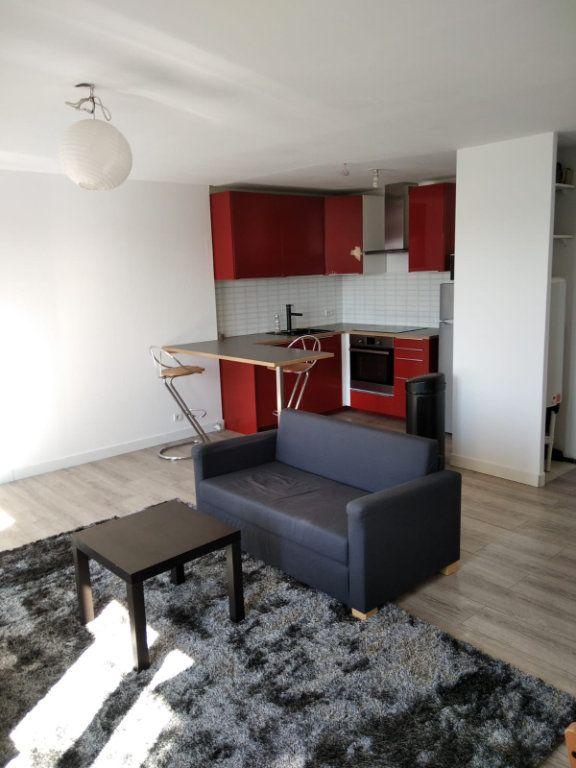 Appartement à louer 2 45m2 à Saint-Denis vignette-1