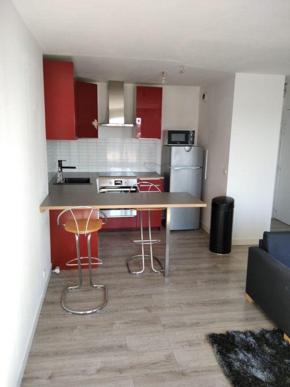 Appartement à louer 2 45m2 à Saint-Denis vignette-4