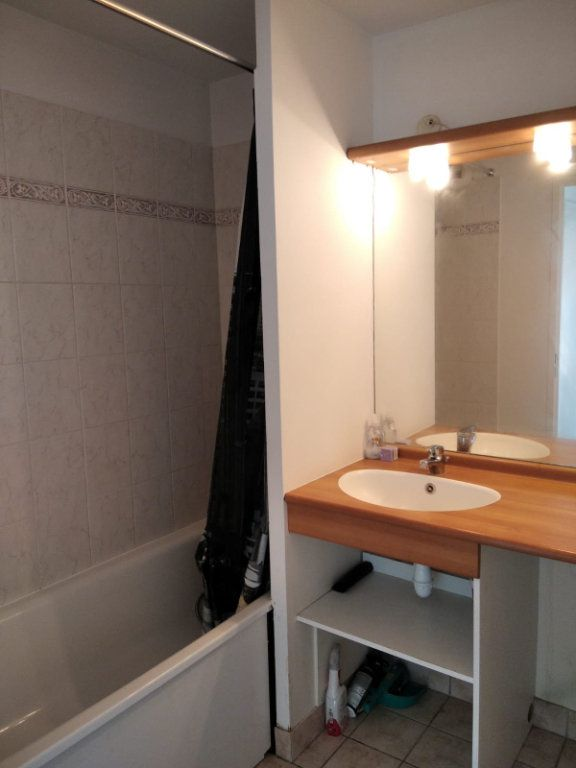 Appartement à louer 2 45m2 à Saint-Denis vignette-5