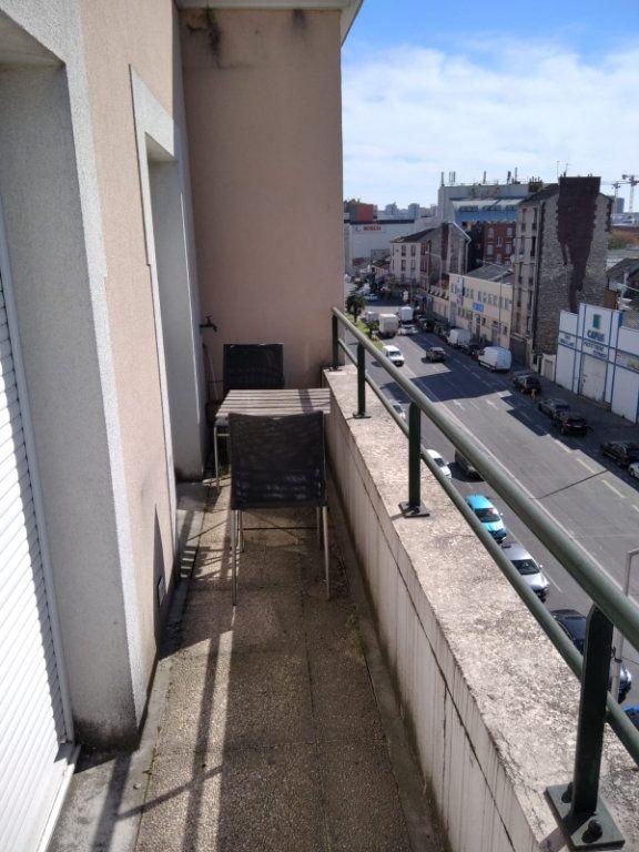 Appartement à louer 2 45m2 à Saint-Denis vignette-8