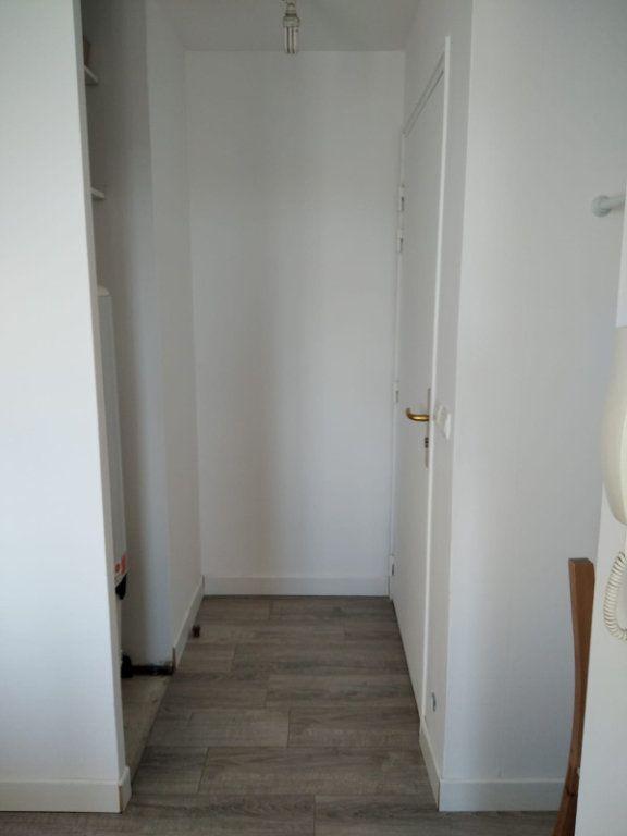 Appartement à louer 2 45m2 à Saint-Denis vignette-9
