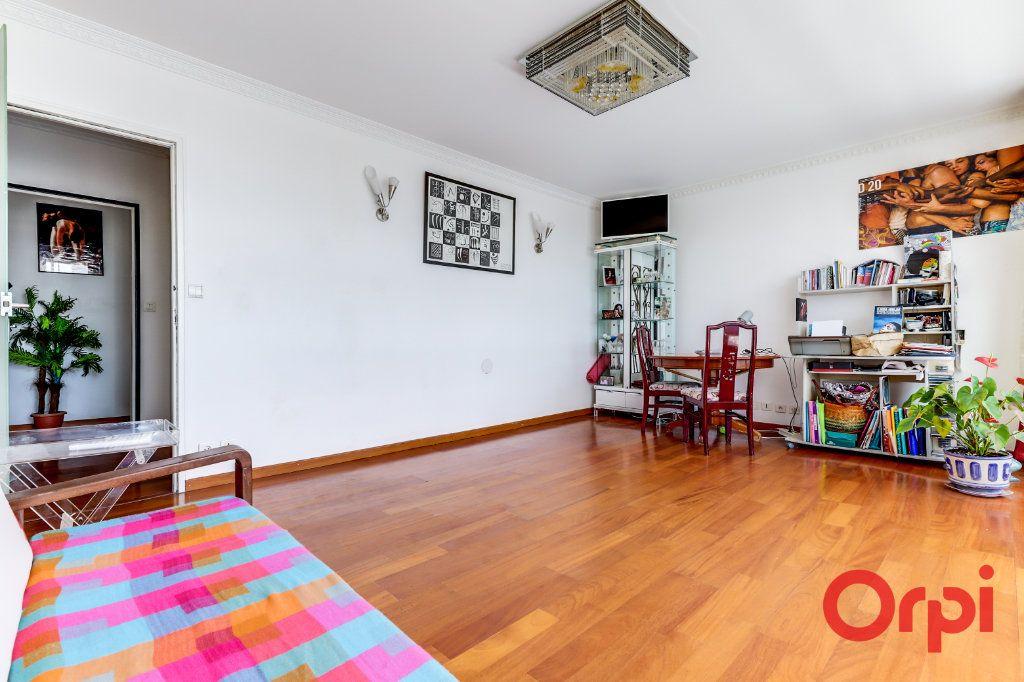 Appartement à louer 3 69m2 à Aubervilliers vignette-3