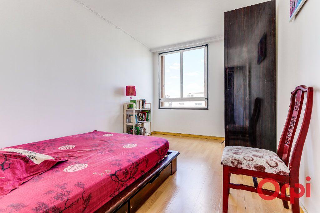 Appartement à louer 3 69m2 à Aubervilliers vignette-5