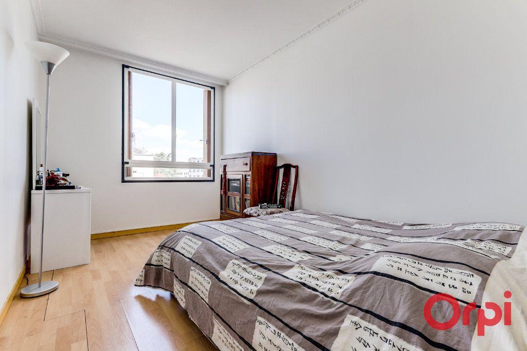 Appartement à louer 3 69m2 à Aubervilliers vignette-6