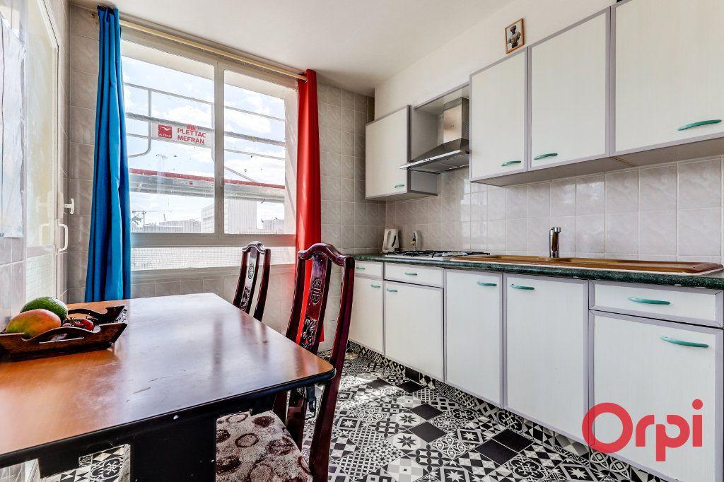 Appartement à louer 3 69m2 à Aubervilliers vignette-7
