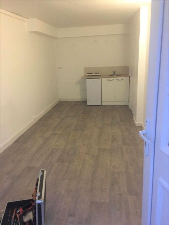 Appartement à louer 1 17m2 à Épinay-sur-Seine vignette-2
