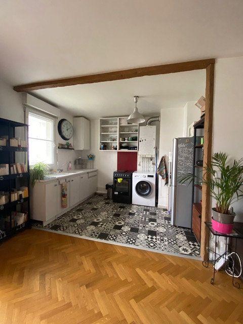 Appartement à louer 3 57.9m2 à Saint-Denis vignette-3