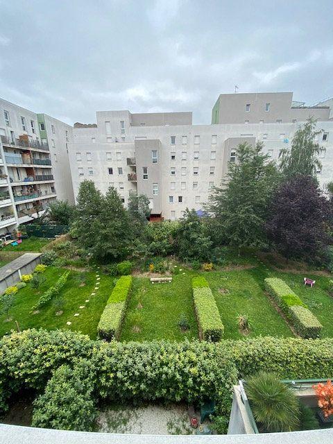 Appartement à louer 3 57.9m2 à Saint-Denis vignette-9