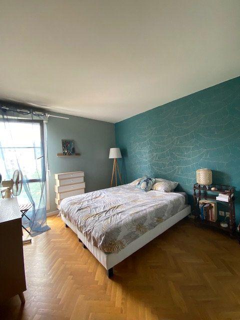 Appartement à louer 3 57.9m2 à Saint-Denis vignette-10