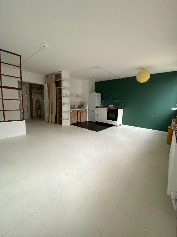 Appartement à louer 2 47.97m2 à Bagnolet vignette-1
